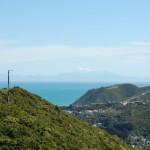 Heuvels, zee, en bergen